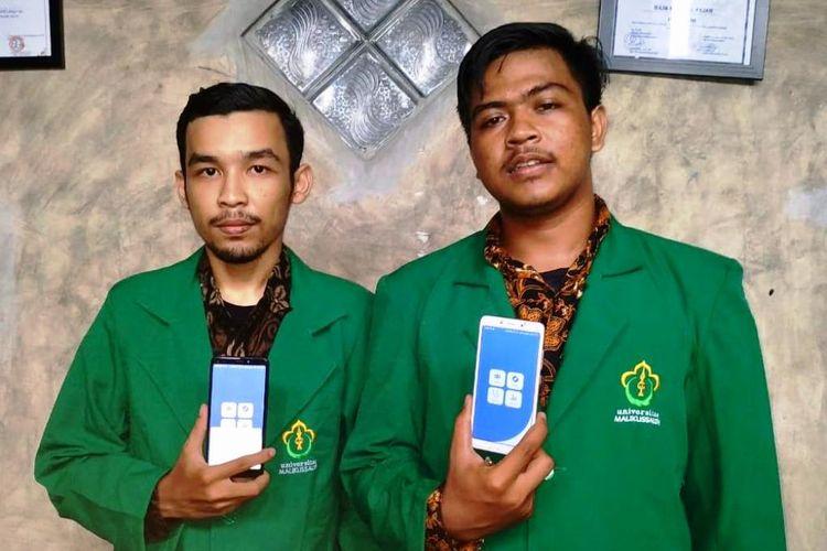 Malikul Fajar (20) dan Yaumil Ikhsan (21), mahasiswa jurusan Teknik Informatika, Universitas Malikussaleh (Unimal) Aceh Utara, memperlihatkan aplikasi terapi pribadi untuk pecandu narkoba di Kampus Lancang Garam, Kota Lhokseumawe, Kamis (25/7/2019)