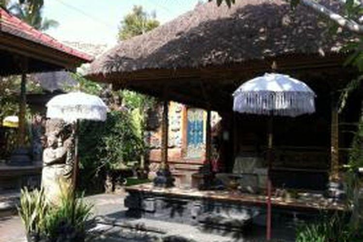 Sebuah arsitektur rumah yang berdiri di Rumah Desa, Banjar Baru, Kecamatan Marga, Kabupaten Tabanan, Bali, Sabtu (7/11/2015).