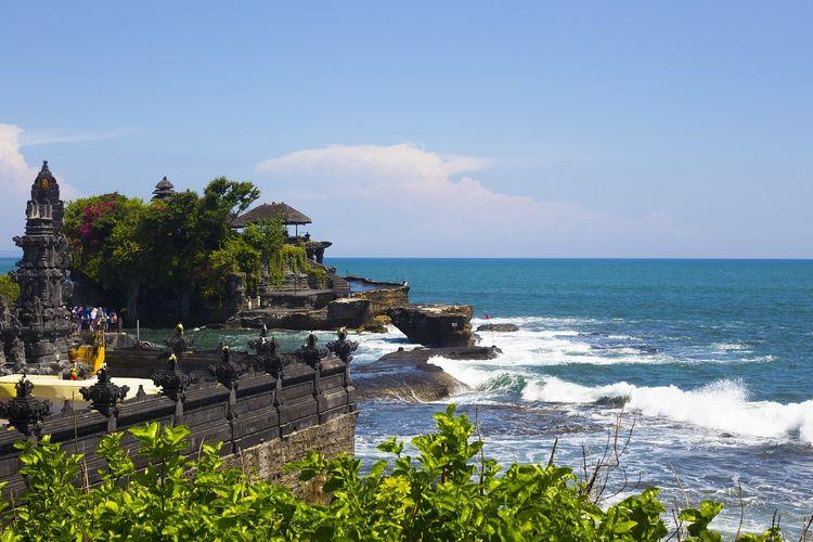Bali merupakan wilayah yang cocok dikunjungi saat berpergian sendiri karena menyajikan berbagai macam destinasi untuk bersantai hingga berpesta.