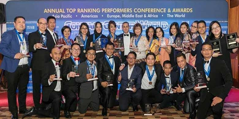 Halo BCA Menyabet The Best Mega Contact Center World 2017