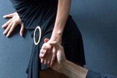 Tepergok Tanpa Busana Bersama Istri Rekan Bisnis, Oknum Polisi Dilaporkan ke Propam
