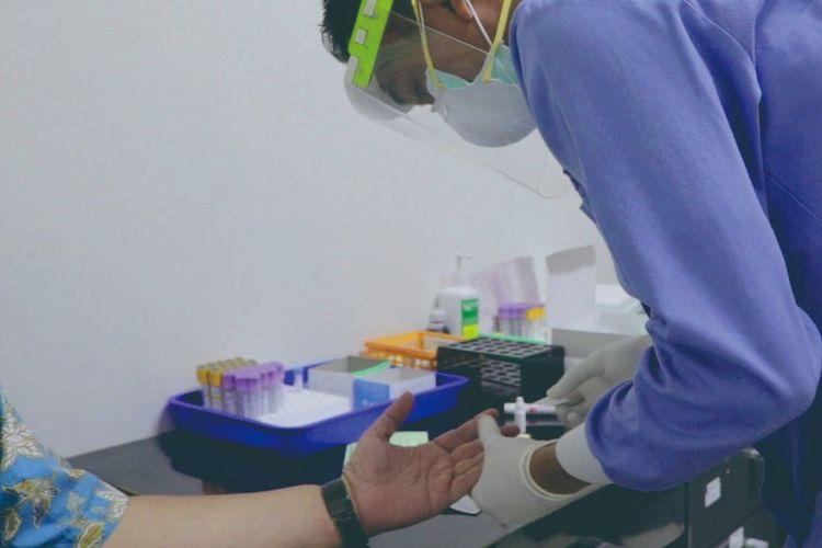 Rapid test di RSUD KRMT Wongsonegoro, Rabu (25/3/2020).