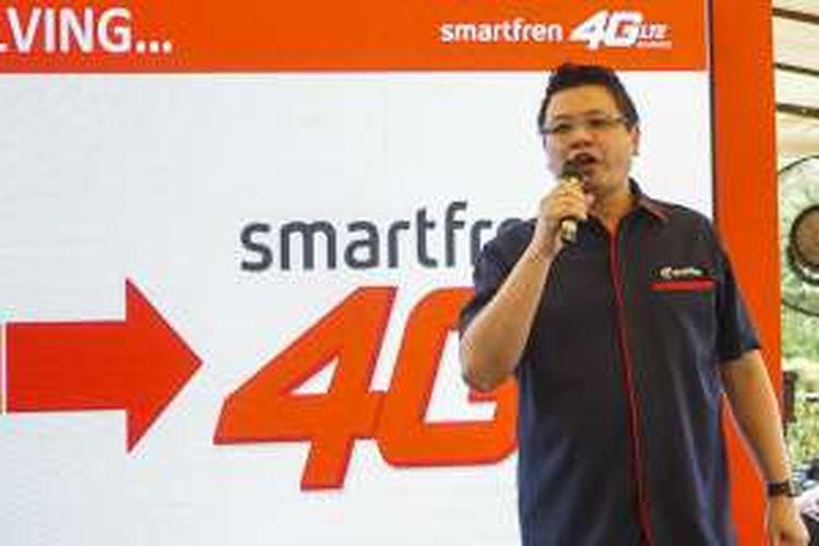 Marketing Communication Division Head Smartfren, Derrick Surya