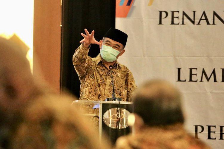 Menko PMK Muhadjir Effendy di acara Penandatanganan Nota Kesepakatan Bersama Antara Lembaga Sensor Film Republik Indonesia (LSF RI) dengan Perguruan Tinggi Negeri dan Swasta, di Hotel Grand Sahid Jaya, Jakarta Pusat, Rabu (31/3/2021).