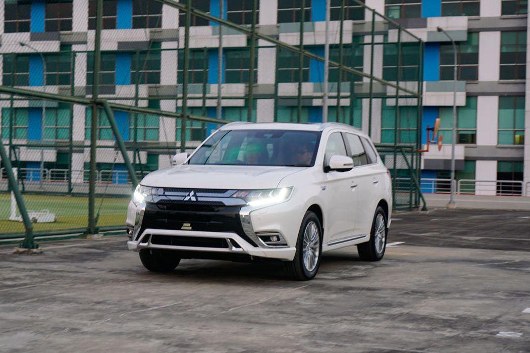 Detil produk terbaru dari Mitsubishi di GIIAS 2019, Outlander PHEV