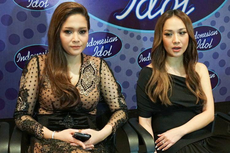 Dua juri Indonesian Idol 2018, Maia Estianty (kiri) dan Bunga Citra Lestari, dalam wawancara di MNC Studios, Kebon Jeruk, Jakarta Barat, Selasa (20/3/2018) dini hari.