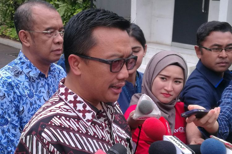 Menteri Pemuda dan Olahraga Imam Nahrawi di Kantor Wakil Presiden, Jakarta, Senin (13/11/2017)