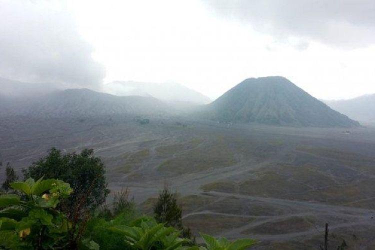 Kondisi Gunung Bromo terkini hasil pantauan Taman Nasional Bromo Tengger Semeru (TNBTS).