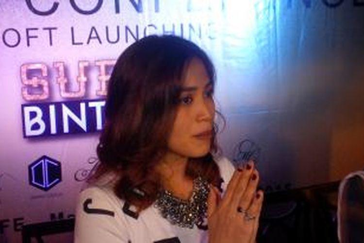 Jessica Iskandar menghadiri acara soft launching lini busana para artis Super Bintang, di Pisa Cafe Menteng, Jakarta Pusat, Senin (7/12/2015).