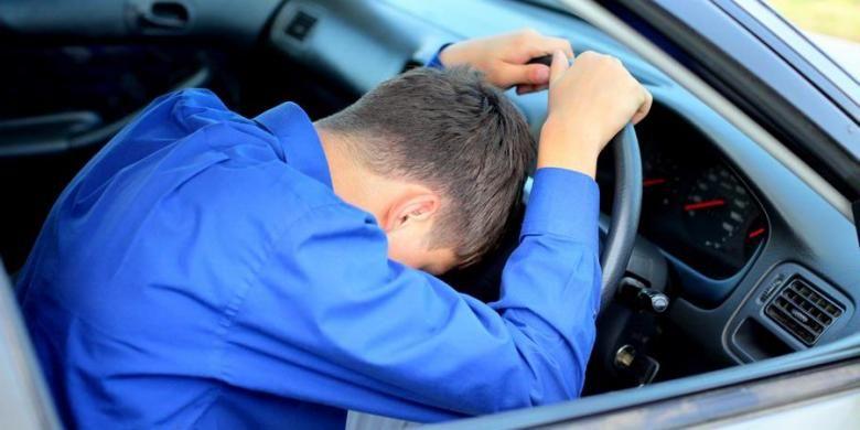 Kalau sudah mengantuk, sebaiknya istirahat dan jangan memaksakan diri menyetir