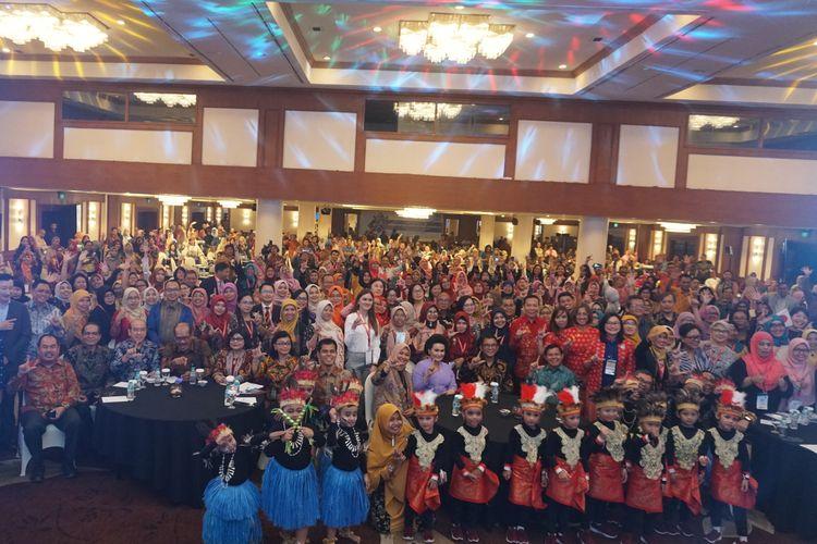 Sebanyak 500 orang dari 17 negara berkumpul untuk membicarakan konsep Pendidikan Anak Usia Dini (PAUD) dan Pendidikan Keluarga dalam acara Seminar Internasional PAUD dan Pendidikan Keluarga 2019 di Jakarta mulai tanggal 4-6 November 2019.