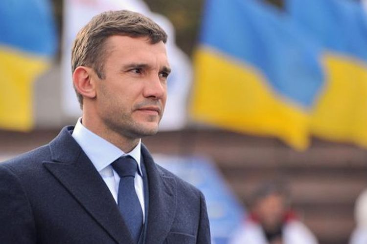 Mantan pemain AC Milan, Andriy Shevchenko, turut menyuarakan keprihatinan terhadap kondisi negatif mantan klubnya.