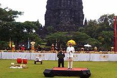 Ke Prambanan, Jokowi dan Istri Pakai Pakaian Adat Bali