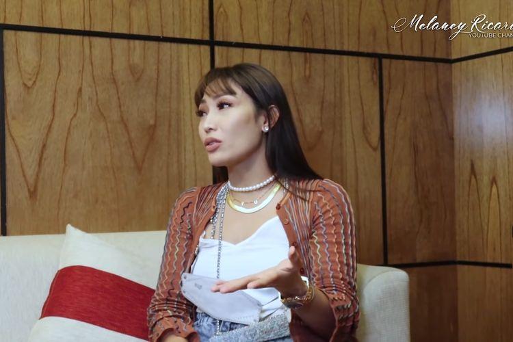 Presenter Ayu Dewi