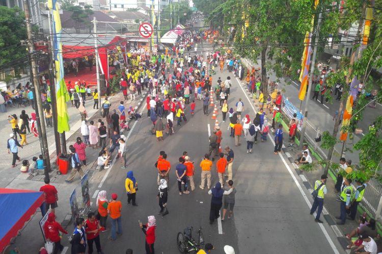 Suasana Car Free Day di Jalan Tomang Raya, Jakarta Barat, Minggu (15/4/2018).