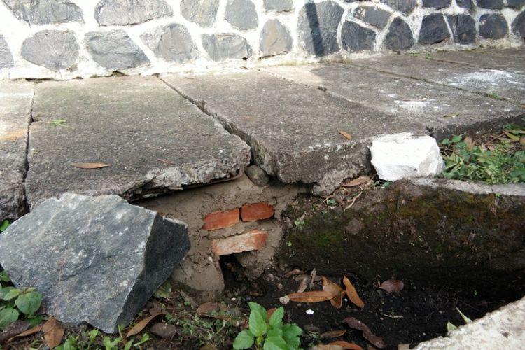 Lokasi tempat Marion, turis asal Belanda jatuh di Jalan Ir H Djuanda (Dago), Kota Bandung. Saat ini, trotoar bolong tersebut sudah diperbaiki.
