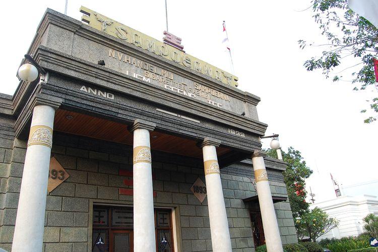 Gedung House of Sampoerna tampak depan yang merupakan peninggalan sejarah di kota Surabaya
