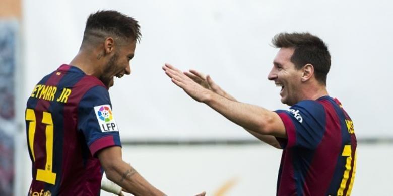 Striker Barcelona, Neymar (kiri) dan Lionel Messi (kanan).