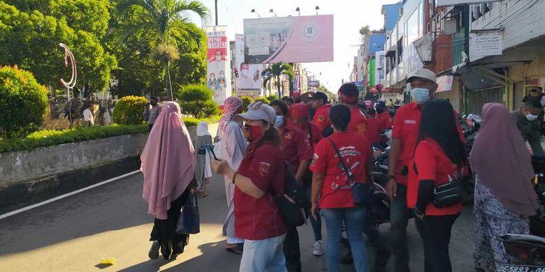 Puluhan pemuda kristen di Kota Ambon ikut mengamankan pelaksanaan Shalat Idul Fitri di Masjid Raya Al Fatah Ambon, Kamis (13/5/2021)