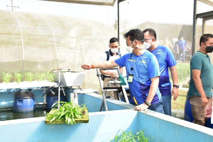 Menteri Pertanian Syahrul Yasin Limpo bersama Menteri Koperasi dan Usaha Kecil Menengah (Menkop UKM) Teten Masduki dalam kunjungannya ke Institut Pertanian Bogor (IPB) pada Minggu (30/5/2021).
