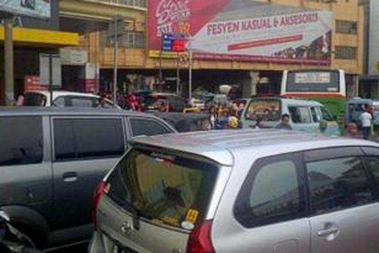 Kemacetan di kawasan Tanah Abang.