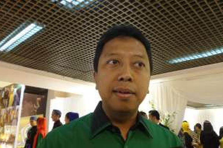 Ketua Umum Partai Persatuan Pembangunan Romahurmuziy dalam acara Rapat Pimpinan Nasional Partai Golkar di Istora Senayan, Jakarta, Kamis (28/7/2016)
