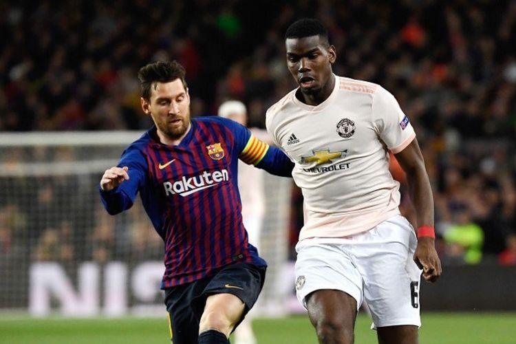 Lionel Messi membayang-bayangi Paul Pogba pada pertandingan Barcelona vs Manchester United dalam perempat final Liga Champions di Stadion Camp Nou, 16 April 2019.