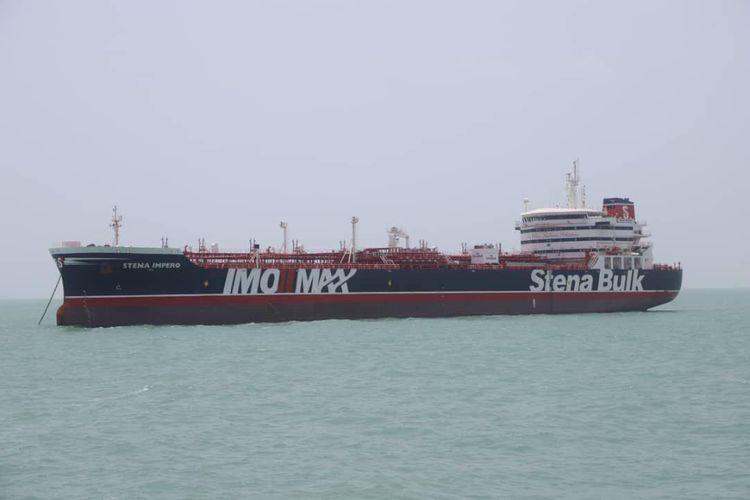 Gambar yang dirilis Tasnim News pada 20 Juli lalu menunjukkan kapal tanker berbendera Inggris Stena Impero yang ditahan Iran setelah dianggap melanggar peraturan maritim internasional.