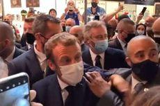 Presiden Perancis Dilempar Telur Saat Sapa Kerumunan Warga