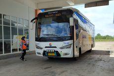 Bus Damri Banjarmasin-Samarinda Melintasi Tol Palaran-Samboja