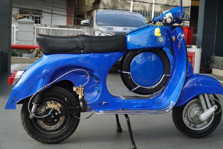 Vespa tahun 1982 yang diubah jadi motor listrik di Bangka, Senin (26/10/2020).