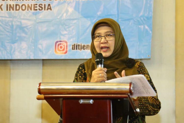 Kepala Sub Direktorat (Kasubdit) Peraturan Perusahaan (PP) dan Perjanjian Kerja Bersama (PKB) Kementerian Ketenagakerjaan (Kemnaker), Wiwik Wisnu Murti saat membuka Dialog Pembuatan PKB yang Berkualitas di Tangerang Selatan, Kamis (14/2/2019).