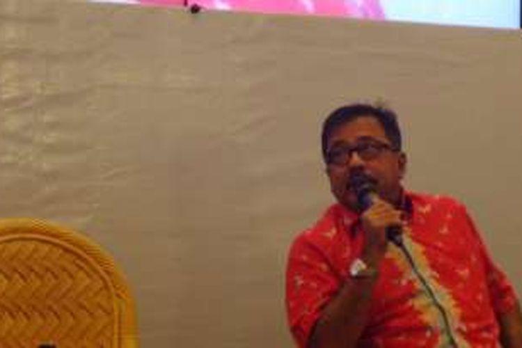 Rano Karno diabadikan ketika menghadiri peluncuran buku berjudul Rano Karno: Si Doel di Indonesia International Book Fair, di Jakarta Convention Center, Jakarta Pusat, Minggu (2/10/2016).