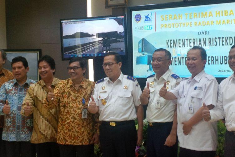 penyerahan Radar di Kantor Distrik Navigasi Kelas I, Jakarta, Senin (31/7/2017).