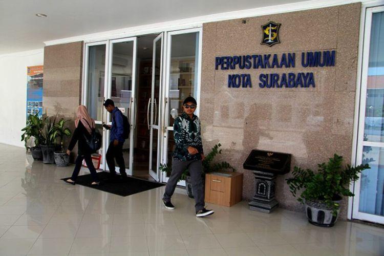 Pemerintah Kota Surabaya bakal membuka Layanan Taman Bacaan Masyarakat (TBM) yang tersebar di seluruh wilayah Kota Surabaya secara bertahap dan bersifat terbatas mulai pekan depan atau awal Oktober 2021 mendatang.