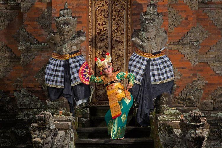 Ilustrasi tarian Bali.