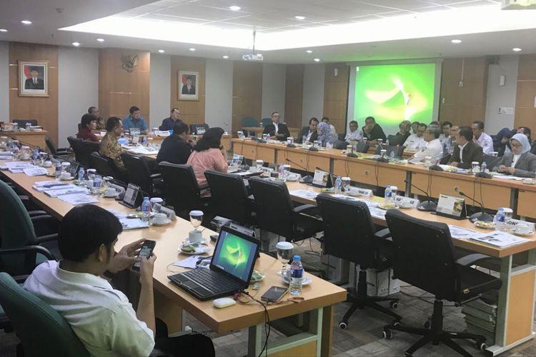 Rapat Komisi E dengan Dinas Pendidikan DKI Jakarta di Gedung DPRD DKI, Jalan Kebon Sirih, Rabu (11/7/2018).