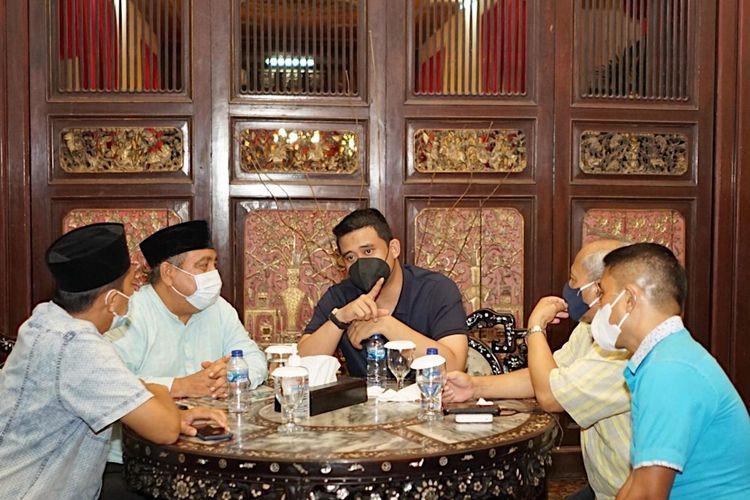 Wali Kota Medan Bobby Nasution berdialog dengan pimpinan organisasi pers Sumatera Utara, Jumat (16/4/2021)