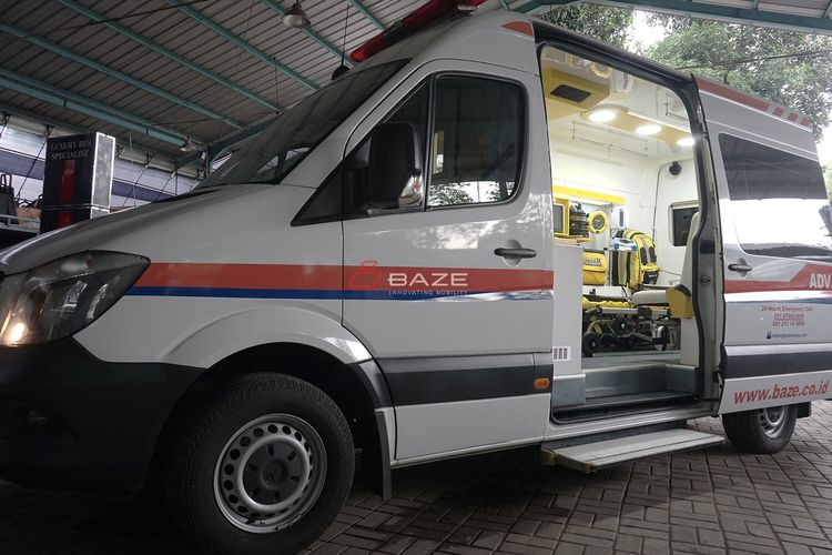Ambulans buatan Baze