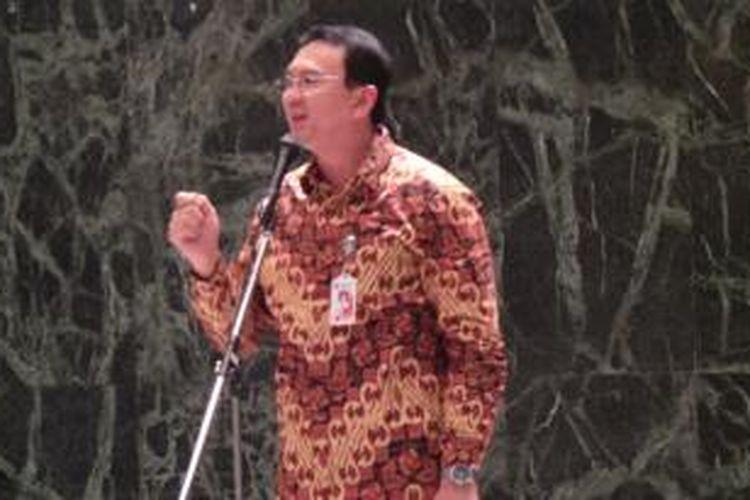 Gubernur DKI Jakarta Basuki Tjahaja Purnama saat menyampaikan sambutan dalam Halal Bihalal ?Pensiunan Pegawai Pemprov DKI Jakarta (Paguyuban Werdatama Jaya) di Balai Kota, Kamis (30/7/2015).