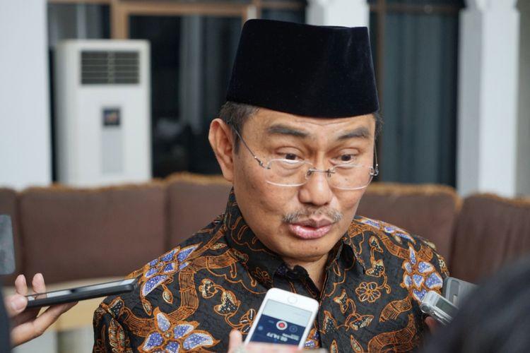 Mantan Ketua Mahkamah Konstitusi (MK) Jimly Asshiddiqie saat ditemui di sela-sela acara halalbihalal Ketua DPD RI Oesman Sapta Odang, Kuningan, Jakarta Selatan, Sabtu (16/6/2018).