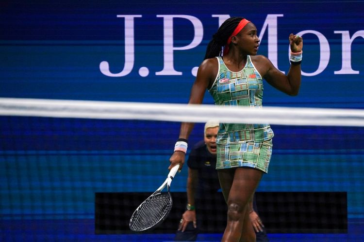Coco Gauff of the US reacts to her point against Naomi Osaka of Japan in their Round Three Womens Singles tennis match during the 2019 US Open at the USTA Billie Jean King National Tennis Center in New York on August 31, 2019. (Photo by DOMINICK REUTER / AFP)