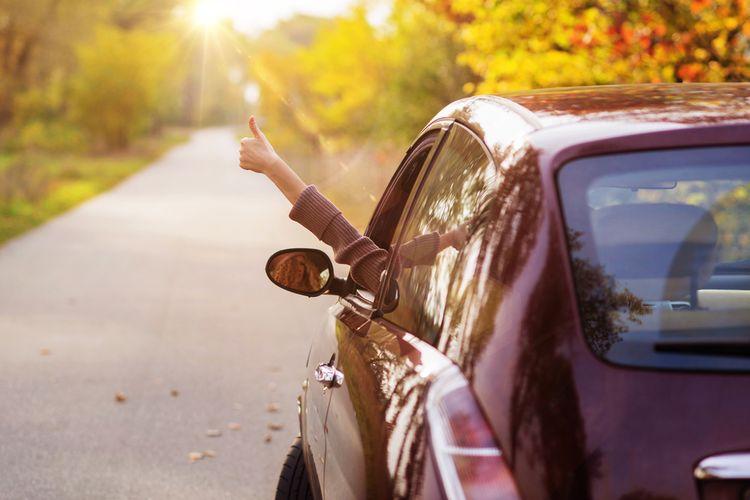 Ilustrasi bepergian dengan mobil