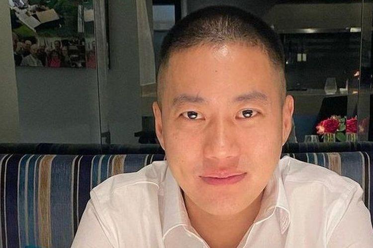 Seorang mantan polisi Thailand bernama Thitisan Utthanaphon, alias Jo Ferrari, yang diduga menyiksa seorang tersangka kasus narkoba sampai tewas.
