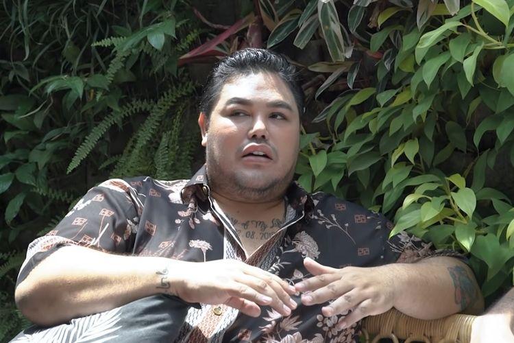 Perancang busana dan pembawa acara Ivan Gunawan