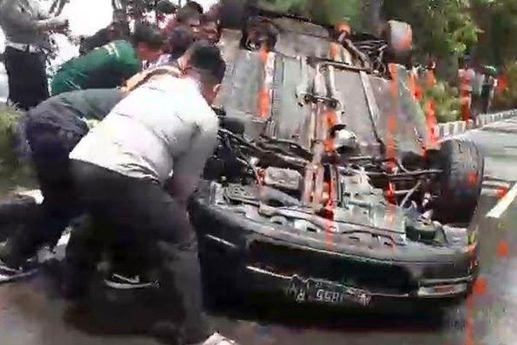 Mobil pelaku tabrak lari di rusak warga