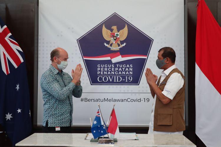 Kepala Satuan Tugas Penanganan Covid-19 Doni Monardo Saat Menerima Secara Simbolis Bantuan 100 Ventilator dari Pemerintah Australia di Graha BNPB, Jakarta, Jumat (24/7/2020)