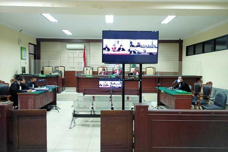 Sidang lanjutan kasus korupsi yang menyeret Bupati nonaktif Nganjuk Novi Rahman Hidayat di Pengadilan Tindak Pidana Korupsi pada Pengadilan Negeri Surabaya, Senin (13/9/2021). Foto: Tim Penerangan Kejari Nganjuk