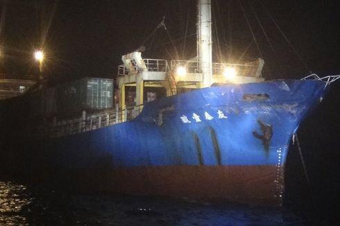 Kapal Militer China Kabur Usai Tabrak Kapal Kontainer Taiwan