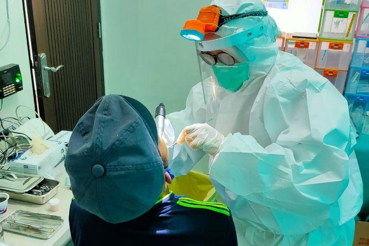 Vaza Zairinal Nadia (29), dokter gigi yang kini bertugas di Kepulauan Seribu, Jakarta.